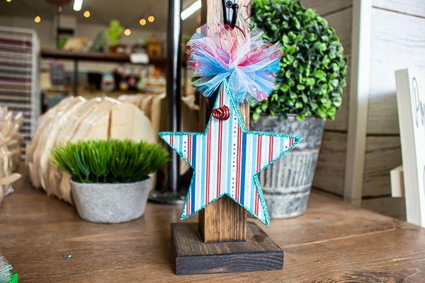 Mini Post Hanger Star
